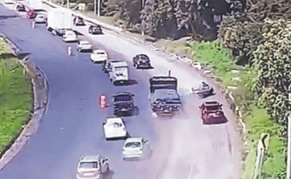 Tráiler a exceso de velocidad también provocó mega accidente en la México - Toluca