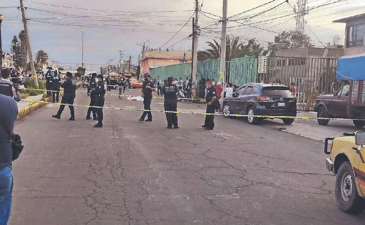 Menor de 16 años se pasea en moto sin casco y termina muerta, en Ecatepec