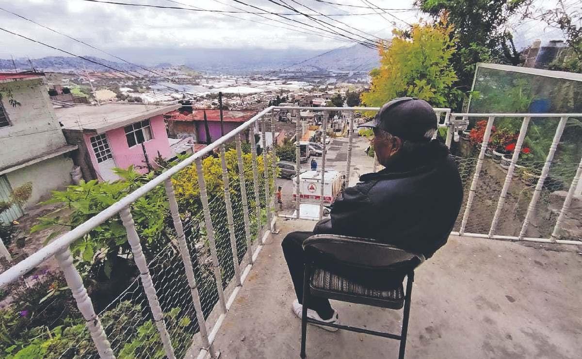 Unas 70 familias desobedecen a Protección Civil y permanecen en Cerro del Chiquihuite
