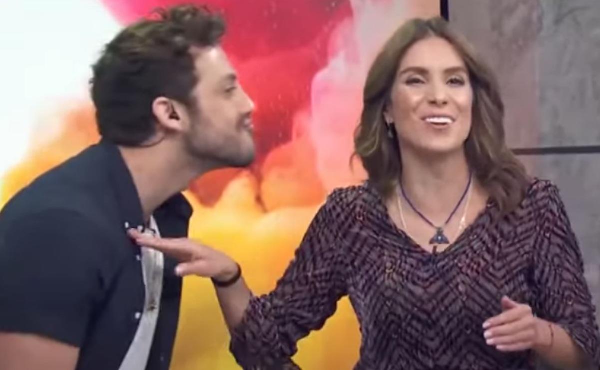 """Lambda García expone intimidad de Andrea Escalona, """"se te están viendo las nalgas"""""""