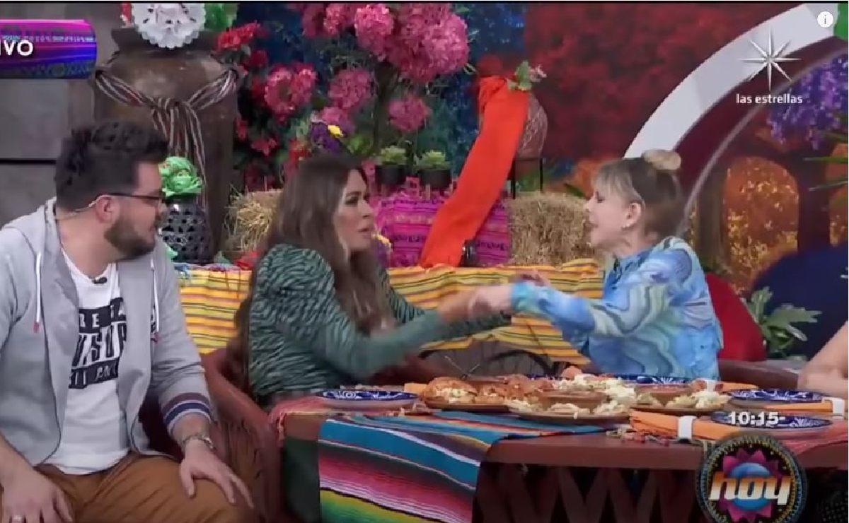 Galilea Montijo jalonea a Shanik Berman y estalla en vivo, pidió ayuda a Andrea Legarreta