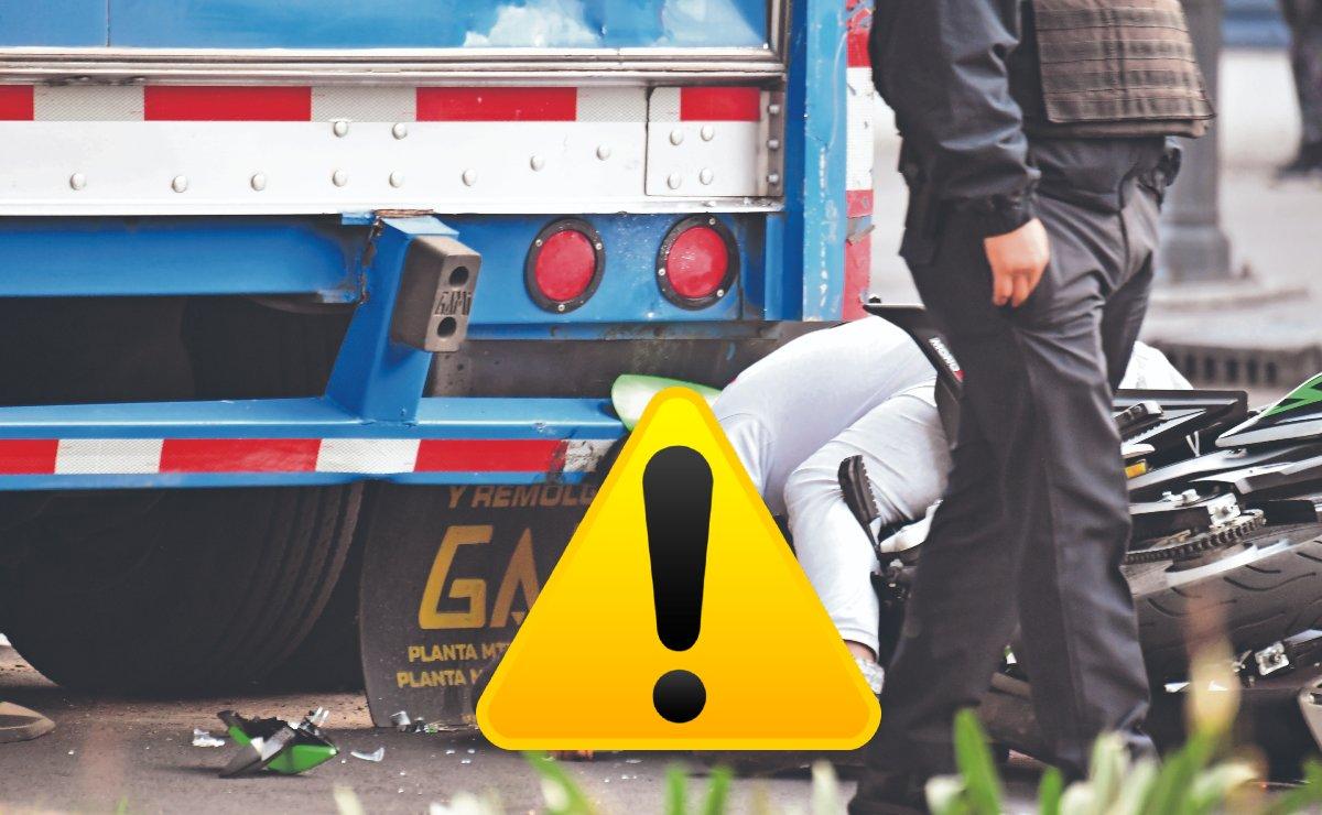 Motociclista sin casco muere embarrado en camión que iba a dar vuelta, en Calzada de La Viga