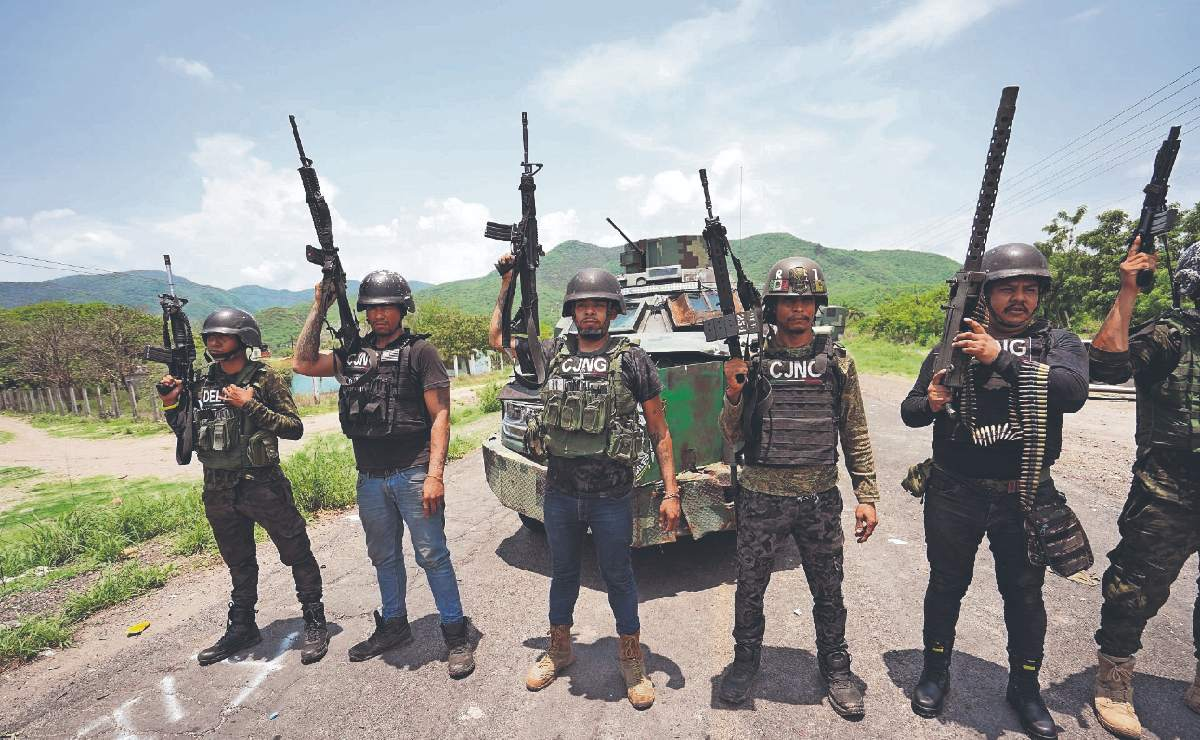 Descubren que Cártel Jalisco Nueva Generación busca sicarios por Facebook e Instagram