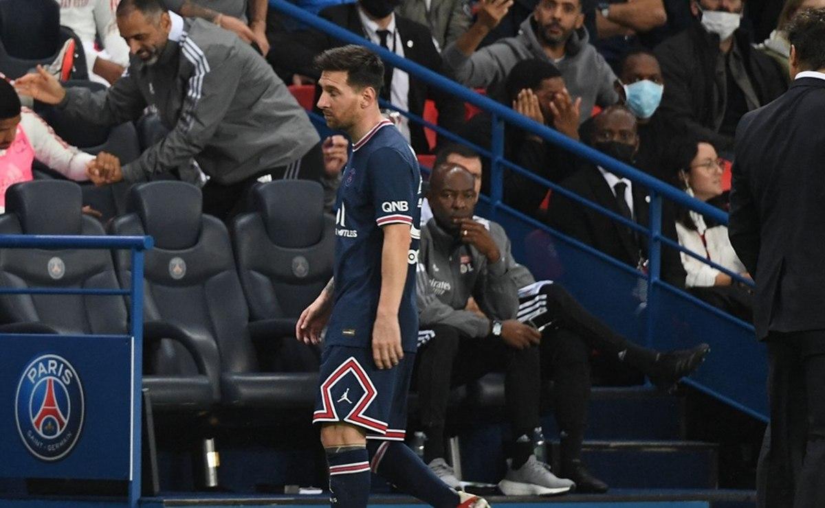 El feo desplante de Lionel Messi con Pochettino al salir de cambio