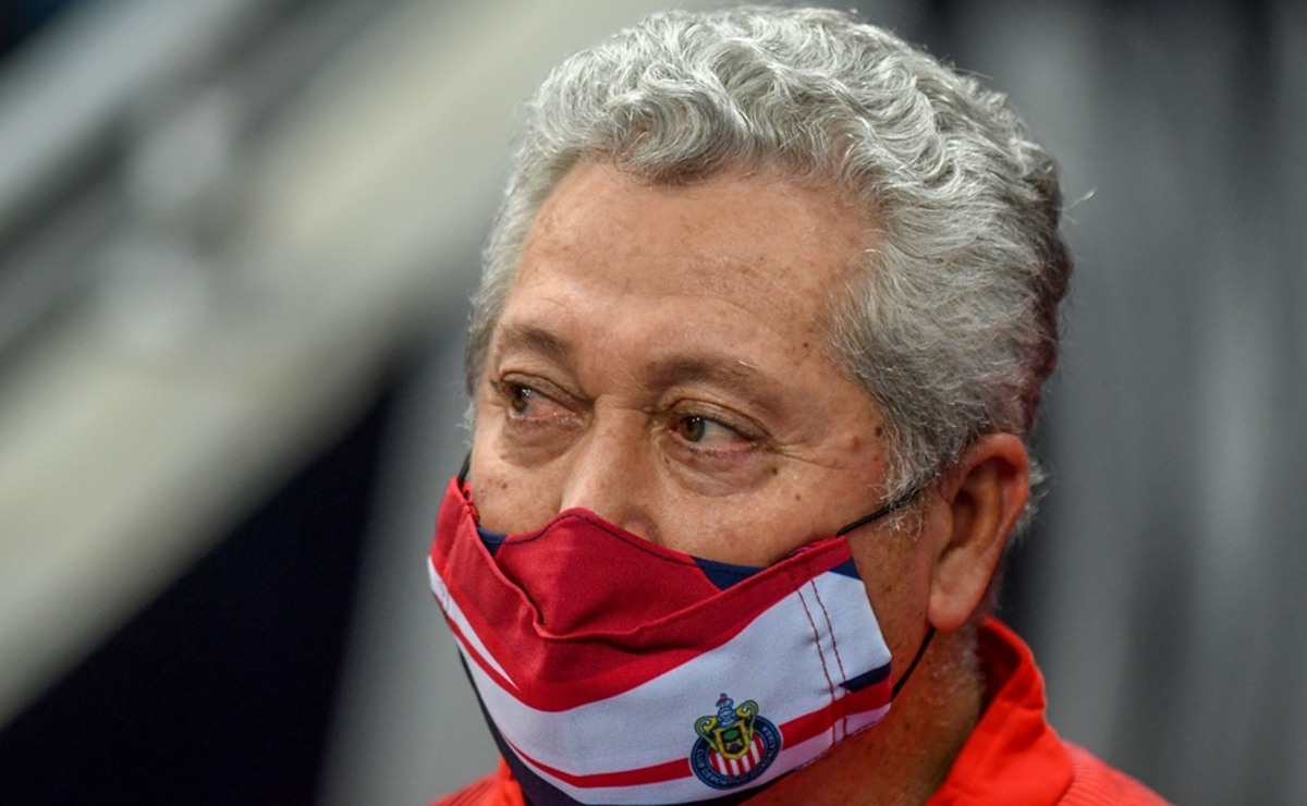 Víctor Manuel Vucetich es cesado como entrenador de las Chivas