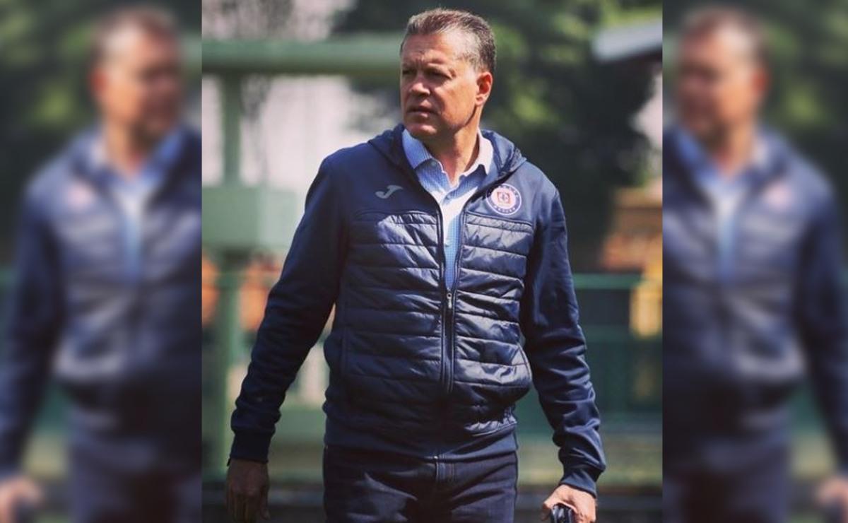 Ricardo Peláez se defiende de quienes dicen que no ha logrado sacar a Chivas a flote