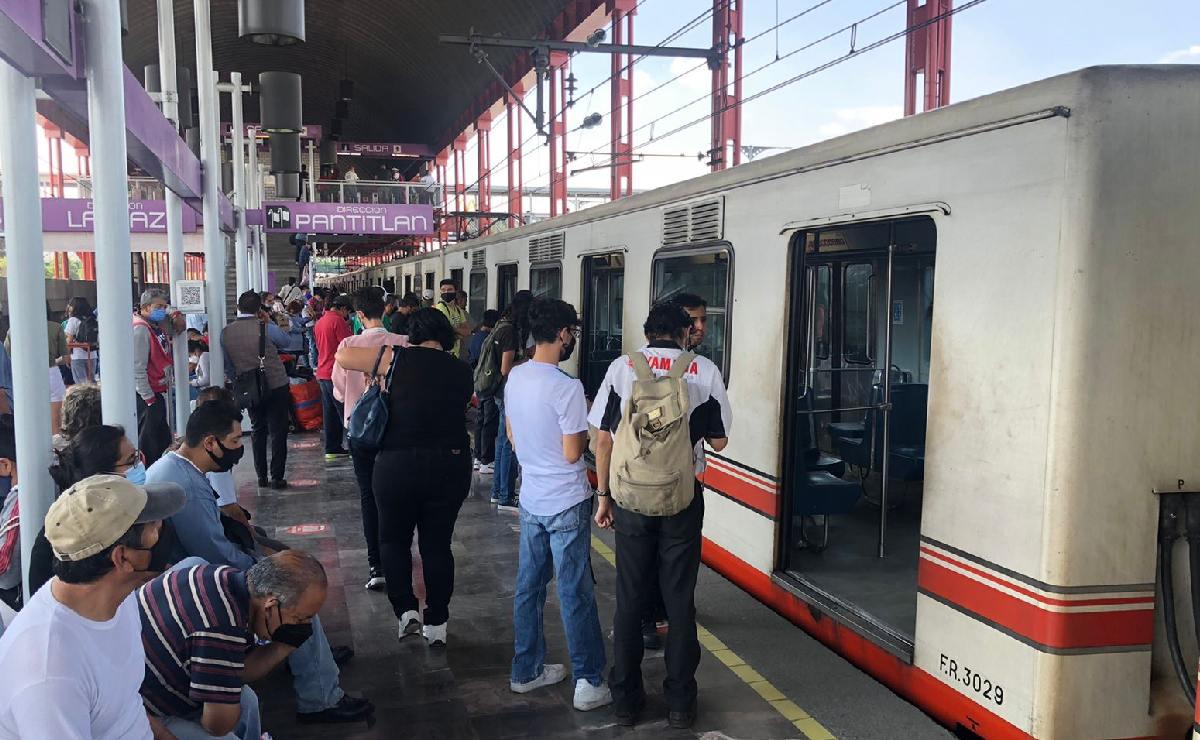 Tren del Metro echa humo y paraliza la Línea A