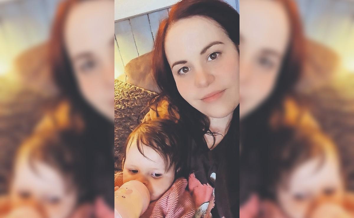 Mujer del Reino Unido logra tener a su bebé con tutoriales de YouTube