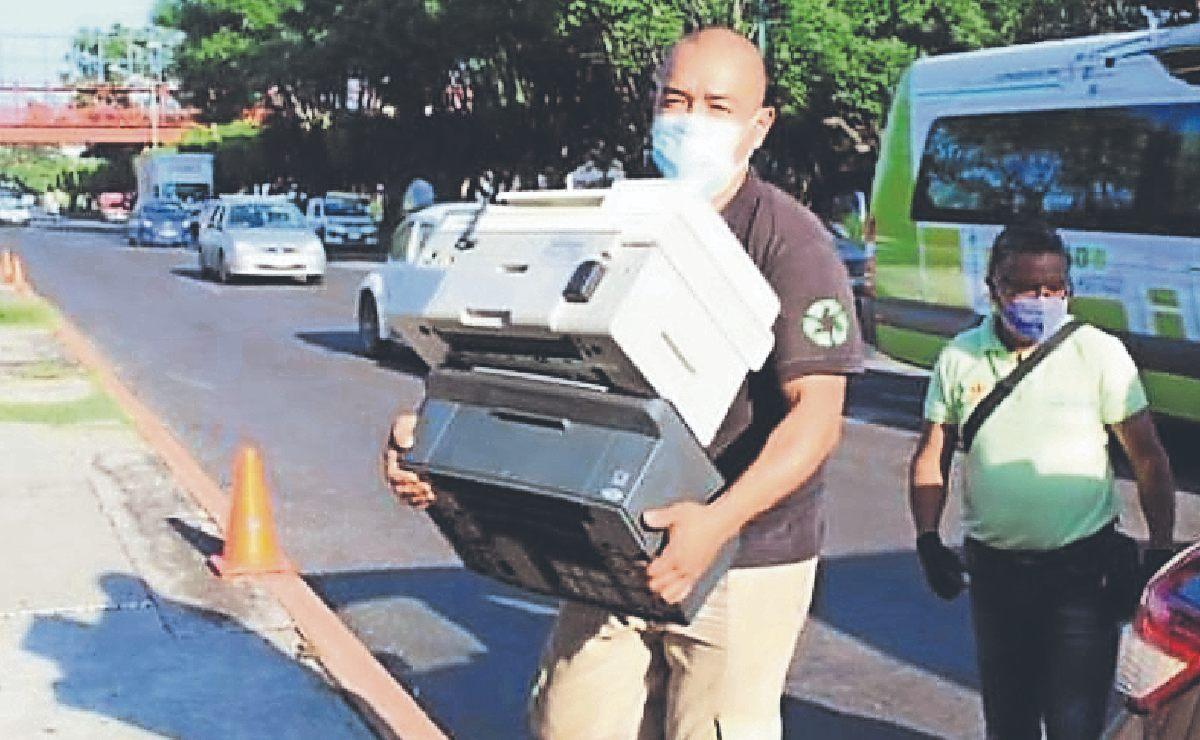 Cambian electrodomésticos y aparatos inservibles por plantitas, en Morelos