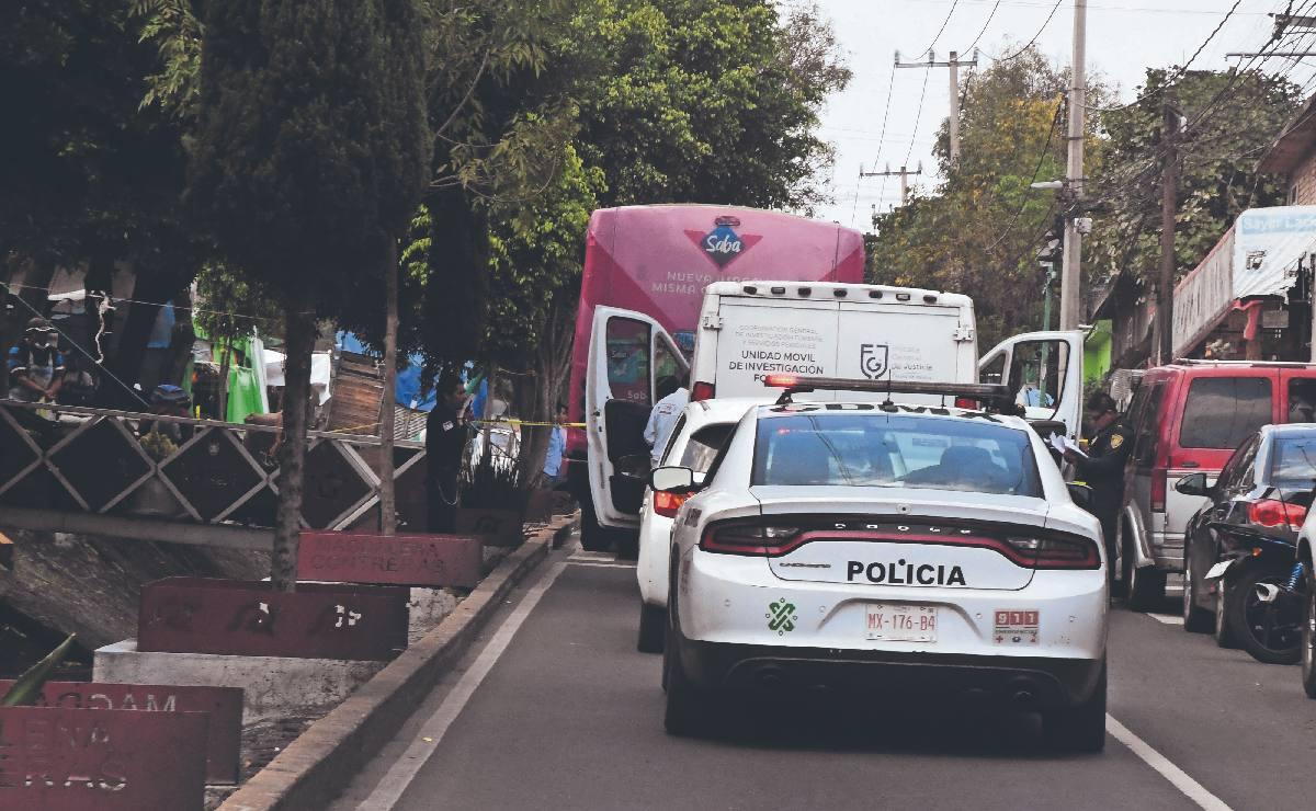 Chofer de autobús de pasajeros atropella y mata a abuelita que cruzaba la avenida, en CDMX