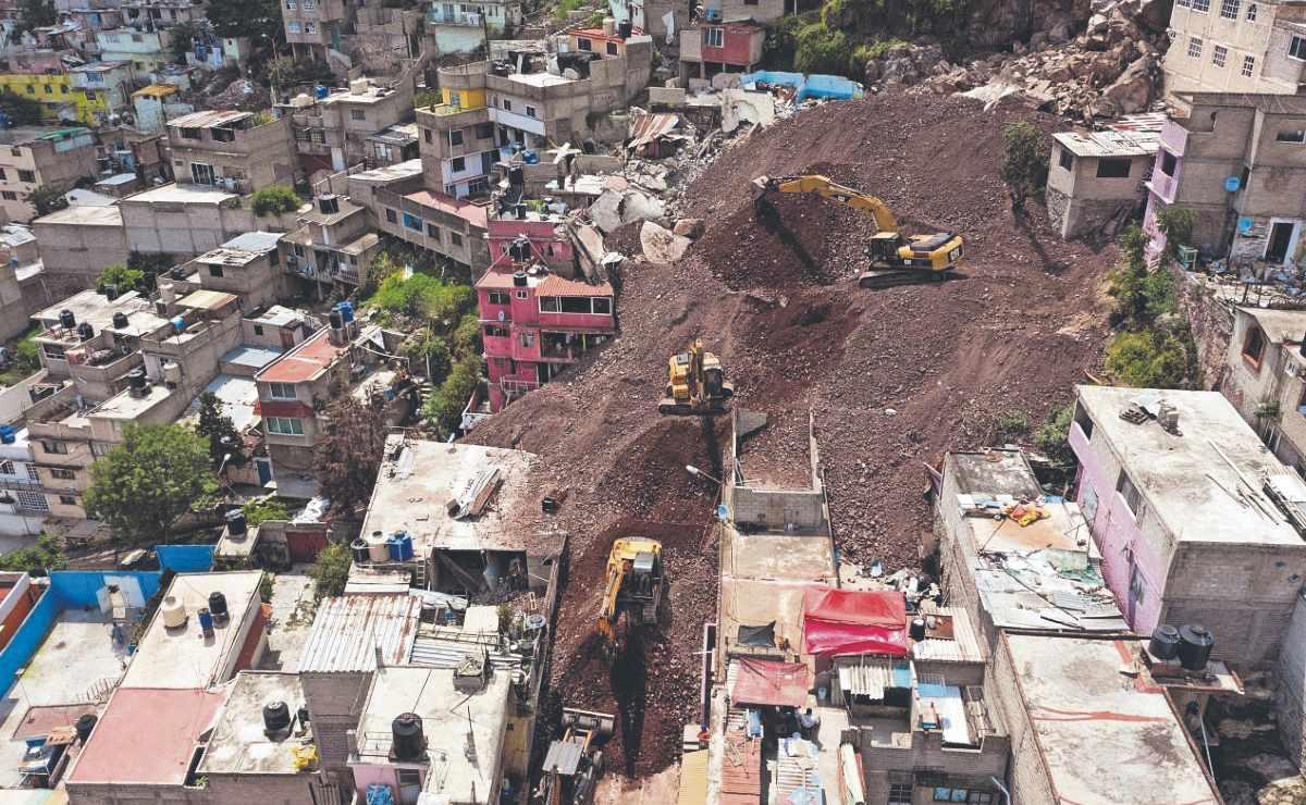 Se caen dos casas en la zona cero del Cerro del Chiquihuite, no hizo falta demolerlas