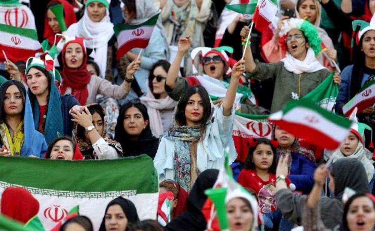 Mujeres iraníes regresarán a los estadios de futbol dos años después