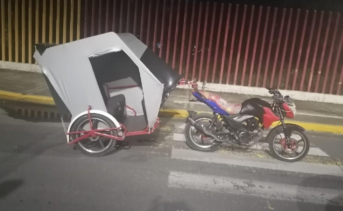 Atoran a un asaltante arrastrando un mototaxi recién robado, en Iztapalapa