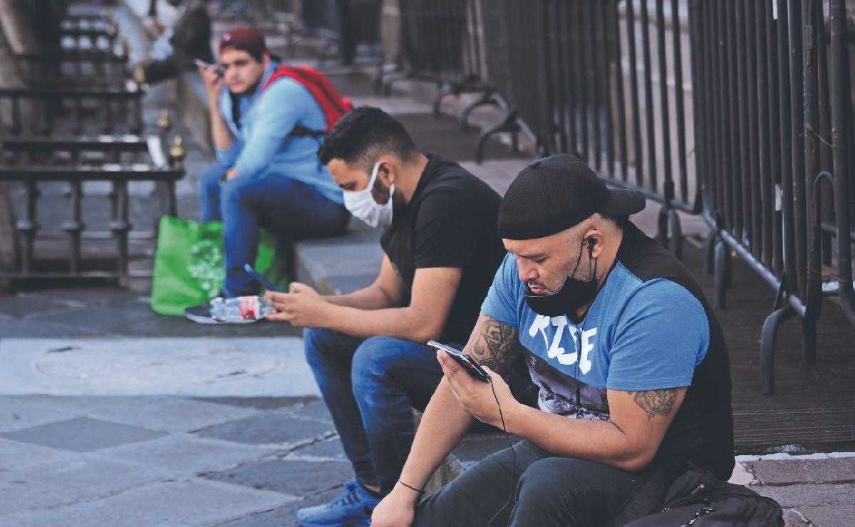 Detectan alza de extorsiones y amenazas con videos sexuales tras la caída de Facebook y WhatsApp