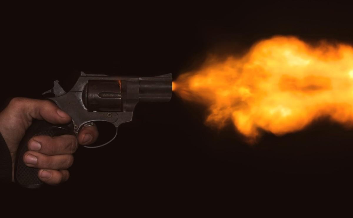 Asesinan a adicto con dos balazos cuando iba para su casa, en Edomex