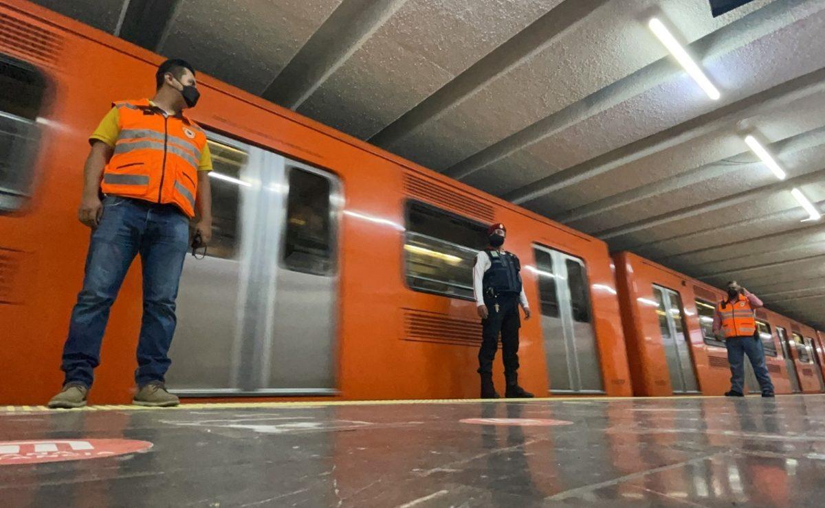 Trabajadores del Metro de la CDMX amagan con suspender labores, exigen más salario