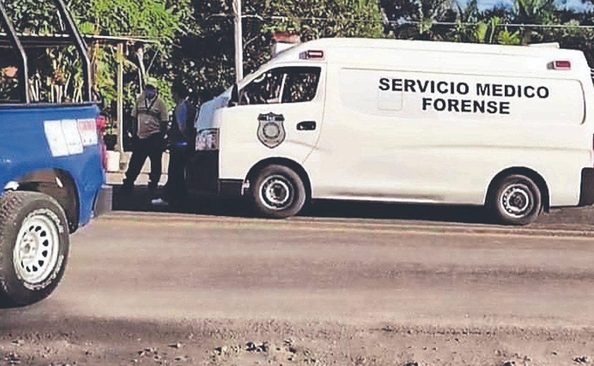 Policías de Morelos encuentran cadáver durante rondín, estaba junto a una carretera