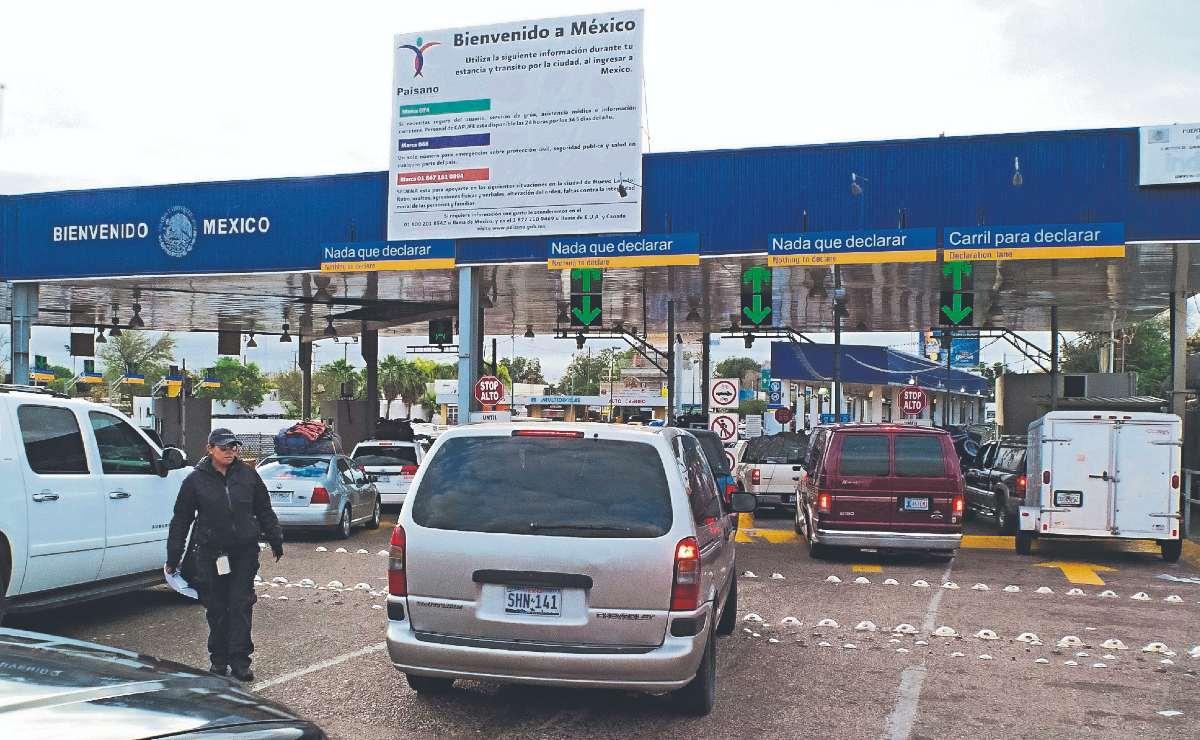"""AMLO regulará autos """"chocolate"""" que se encuentran en estados fronterizos"""
