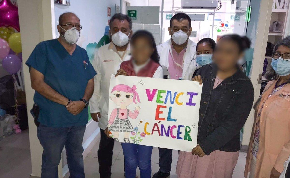 Chicas vencen al cáncer en Coatzacoalcos y su caso conmociona a todo México