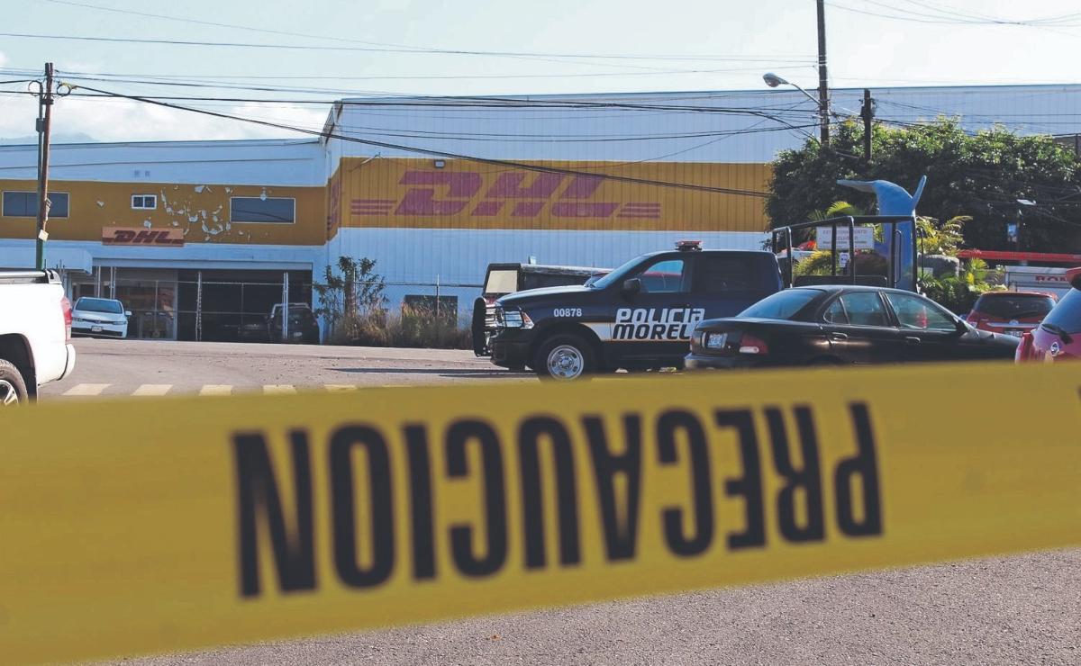 Encuentran cuerpo calcinado en camino de terracería, en Morelos