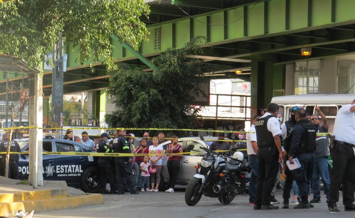 Amigas en moto mueren brutalmente tras caer 7 metros de distribuidor vial, en el Estado de México