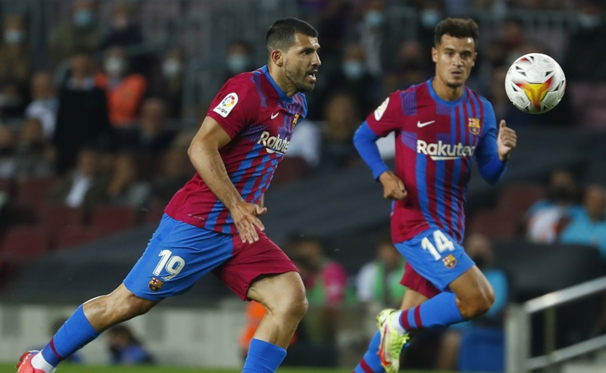 Barcelona derrota al Valencia, Kun Agüero hace su debut como blaugrana