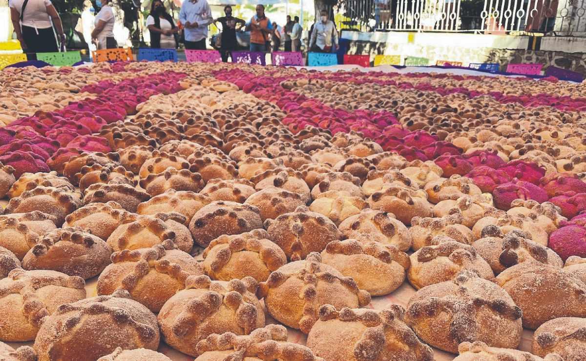 Panaderos artesanales de Morelos esperan recuperarse económicamente este Día de Muertos