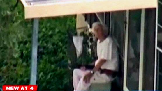 Anciana de 90 años pone a temblar a la policía