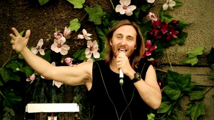 David Guetta lanza nuevo video para recaudar fondos