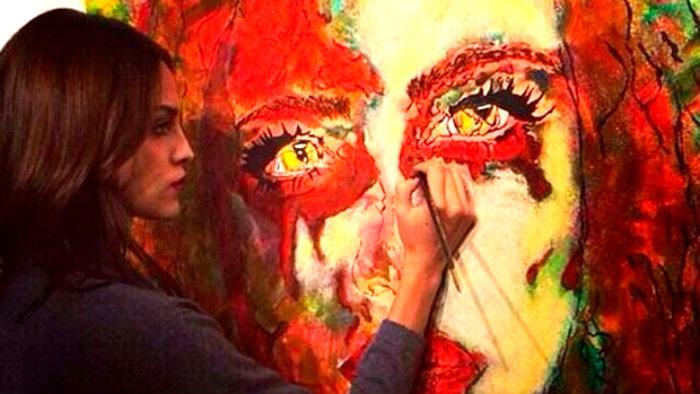 Eiza González debuta como pintora en un prestigioso museo