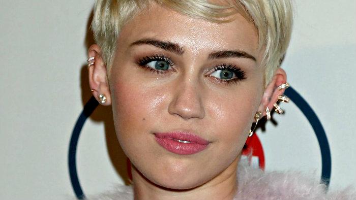 Miley Cyrus podría estar saliendo con un famoso músico