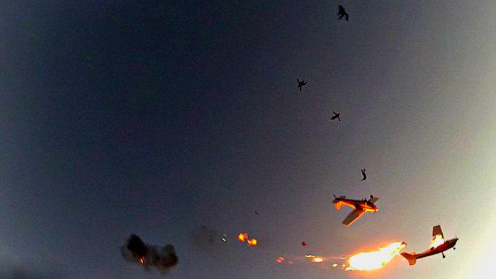 Avionetas chocan en pleno vuelo