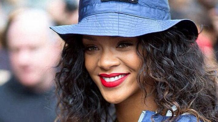 Rihanna (Instagram)