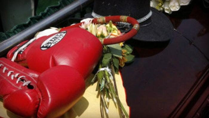 "Muerte de ""Texano"", box"