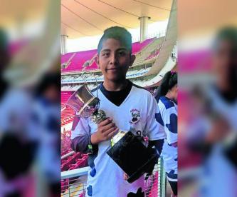 Deportes Futbol Amateur nuevas promesas del futbol Adrián Romero