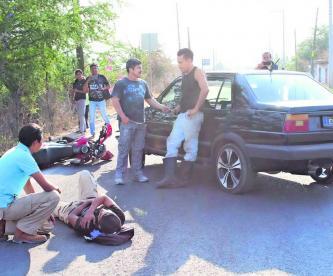 Auto atropella motociclista, Xochitepec, fue detenido, accidente