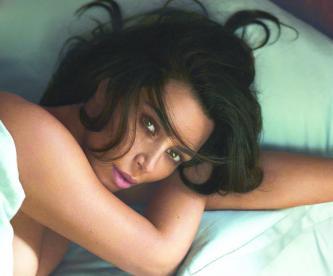 Kim Kardashian ayuda lucha psoriasis