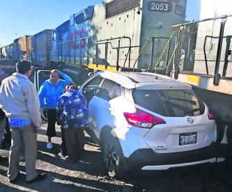 Camioneta Impacta Tren Toluca