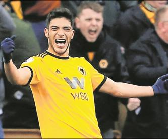 Raúl Jiménez aparece en lista de jugadores TOP en la Premier League