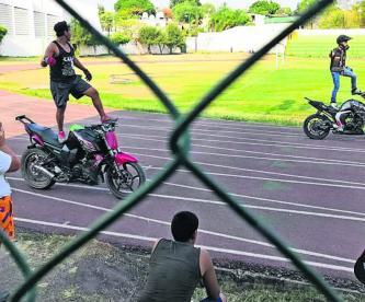 mal uso de la pista Unidad Deportiva