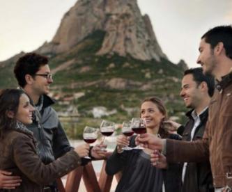 Bernal recibe Feria de Arte Vino y Queso