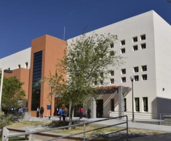 Cuatro profesores de la Universidad de Ciudad Juárez violan a maestra