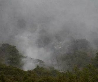 Se desploma helicóptero de la Marina que sofocaría incendio en Querétaro