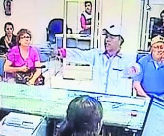 Delincuente asalta a mano armada un banco en Cuernavaca