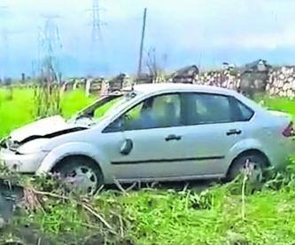 Roba auto Roba ancianita Coche volcado Morelos Cuautla