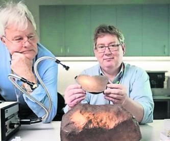 hallan roca pensaron que era oro meteorito geólogos estudios australia