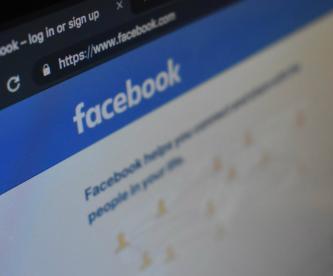 Facebook prohibido alcohol