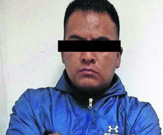 Apañan a policía secuestrador en Nezahualcóyotl se hizo pasar por trabajador de CFE