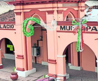 violencia michoacán mexico cancelan grito desfile fiestas patrias