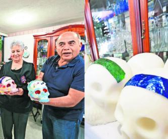 María Eugenia Soles Día de Muertos ofrenda